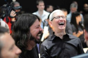tim cook azioni apple